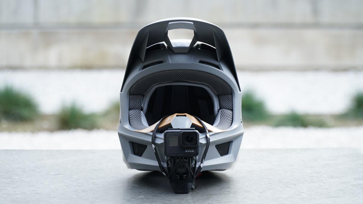 Fox V1 Helmet Gopro Hero7 Black Dango Design Mount Dream Kit